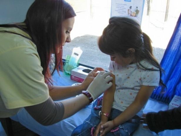 Salud convoca a vacunar a los chicos que comienzan la escuela primaria