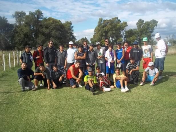 """Realizaron un encuentro deportivo entre chicos del programa Envión I y el Centro de Día Municipal """"La Granja"""""""