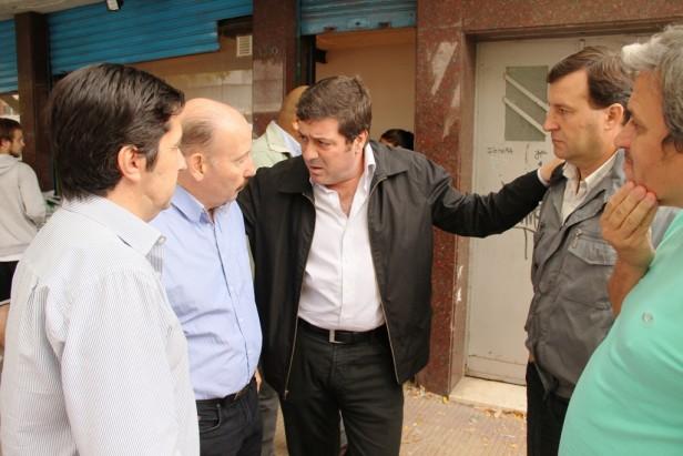 Azul: Inza entregó en nombre de los azuleños donaciones para los damnificados por la inundación de La Plata