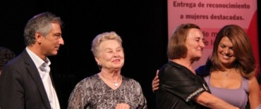 Día de la Mujer: Delia Mabel Poli fue galardonada con el