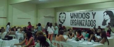 Unidos y Organizados homenajeo a las mujeres en su día
