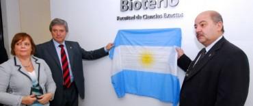 Horacio González inauguró un bioterio que permitirá incrementar la producción de vacunas en el país