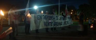 El Frente Gremial Docente en Olavarría realizó la marcha con antorchas