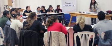 Azul: con la coordinación del Gobierno Municipal se están dictando los cursos del Plan FINES