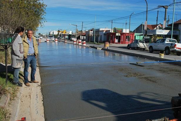 Avanza la pavimentación de la avenida Urquiza