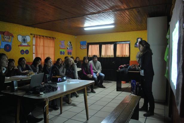 Capacitación sobre medio ambiente para los servicios de la Dirección de Niñez y Adolescencia