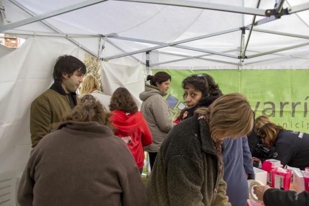 Vacunación antigripal: Gran cantidad de gente concurrió al puesto sanitario en la Plaza Central