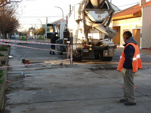 Continúan los trabajos de hormigonado en el barrio San Vicente