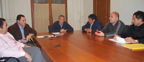 El Intendente Eseverri adelantó el pago de sueldos a todos los empleados municipales