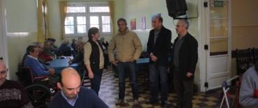 El Intendente Eseverri visitó a los abuelos del Hogar de Ancianos protagonistas del próximo concierto de la Sinfónica Municipal