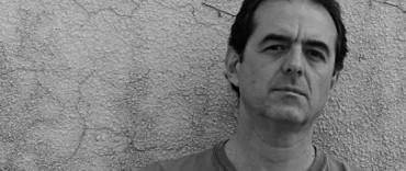 Jorge Fandermole llega con su poesía y música al Teatro Municipal