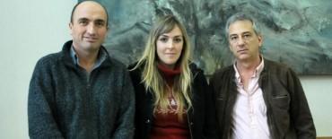 El Intendente Eseverri entregó una beca a la joven profesional Rocío Vilarullo