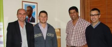 Eduardo Rodríguez entregó un subsidio a Mariano Moreno para comprar un tablero electrónico