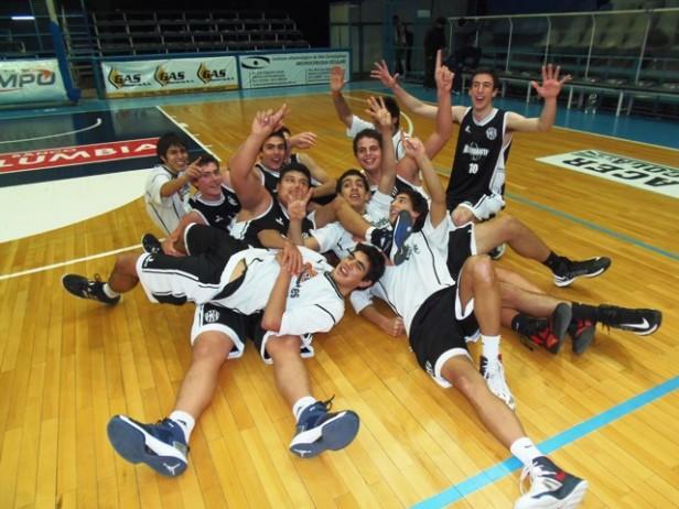 Estudiantes primer campeón de la temporada