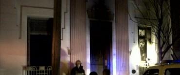 A una semana de las PASO: Incendiaron intencionalmente el Comité de la UCR Olavarría