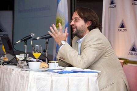 "Dos especialistas de IdEAS disertarán sobre ""Escenarios económicos e internacionales"""