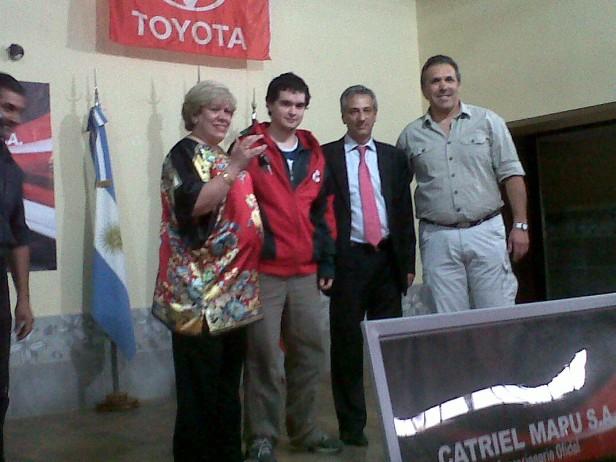 Catriel Mapú donó  una Toyota Hilux al Colegio Industrial para los alumnos de la tecnicatura