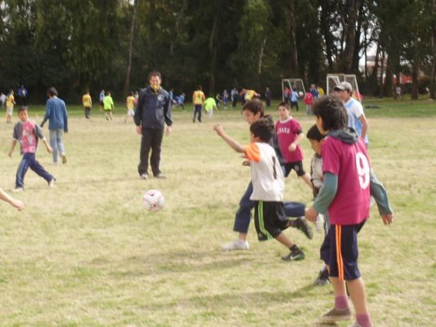 Un nuevo Encuentro de Futbol Barrial para niños y adolescentes en el Barrio Bancario