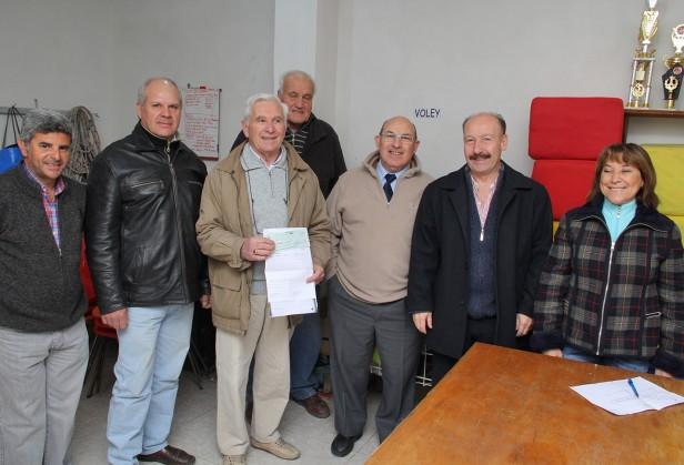 Inza otorgó un importante subsidio al Club Velocidad  y Resistencia