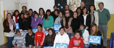 Alvear: la intendente Piedrabuena  asistió al acto de entrega de netbooks