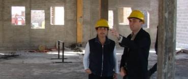 Margarita Arregui y Eduardo Rodríguez supervisaron la obra de construcción del Centro Municipal de Convenciones