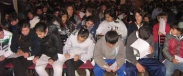 Encuesta en la provincia: los adolescentes saben como cuidarse del VIH y el embarazo