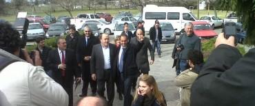 El Gobernador Scioli, de recorrida, pasó por Olavarría