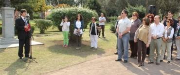 Azul: Inza estuvo presente en el acto por el Día del Maestro realizado en el Parque Municipal