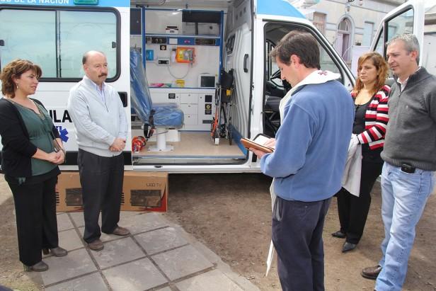Azul: el Hospital Pintos recibió una ambulancia provista por la Nación