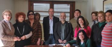 Eduardo Rodríguez hizo entrega a Red Solidaria de los fondos recaudados en el concierto de Jairo