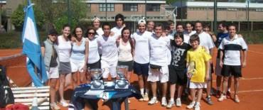 Universitarios a jugar al tenis