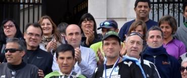 Olavarría recibió a los atletas Ricardo Rojas y Darío Arauz