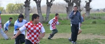 """Los chicos del Centro de Día Municipal """"La Granja"""" recibieron al árbitro Pompei"""