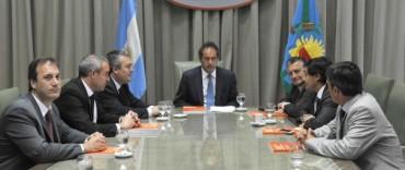 """Scioli convocó a intendentes a """"trabajar por la década del desarrollo"""""""