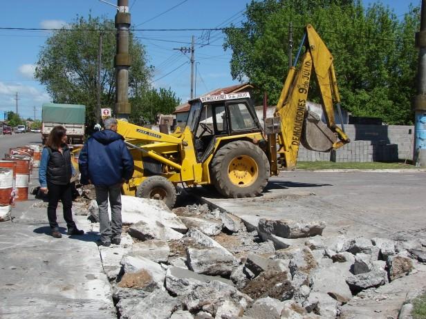 El Gobierno Municipal construye rotondas y separadores en la avenida Sarmiento