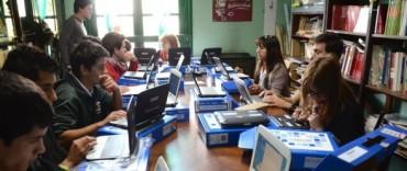 Se entregaron computadoras a todo el alumnado de la escuela Agropecuaria