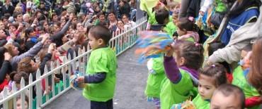 Los Jardines Maternales Municipales celebraron el Día de la Familia en el Parque Helios Eseverri