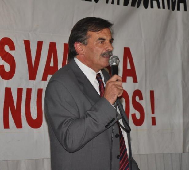 Bazze le propone a Scioli que acompañe el reclamo ante la Nación por mas fondos para la provincia de Buenos Aires