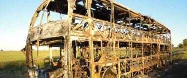 Se incendió un colectivo que iba a Retiro y había salido de Tandil.