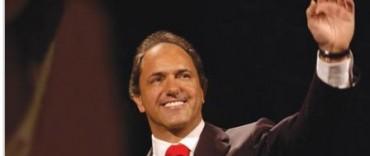 Scioli prometió aumentar los ingresos de las comunas y dijo que se estudia crear un impuesto para los municipios