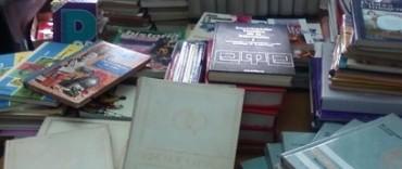 La Unidad Nº 38 recibió libros y pupitres